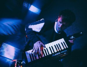 Keytar: 8 Best Wired and Wireless Picks for the Electronic
