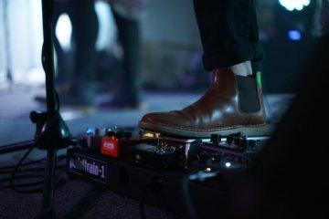 MIDI controller sustain pedal
