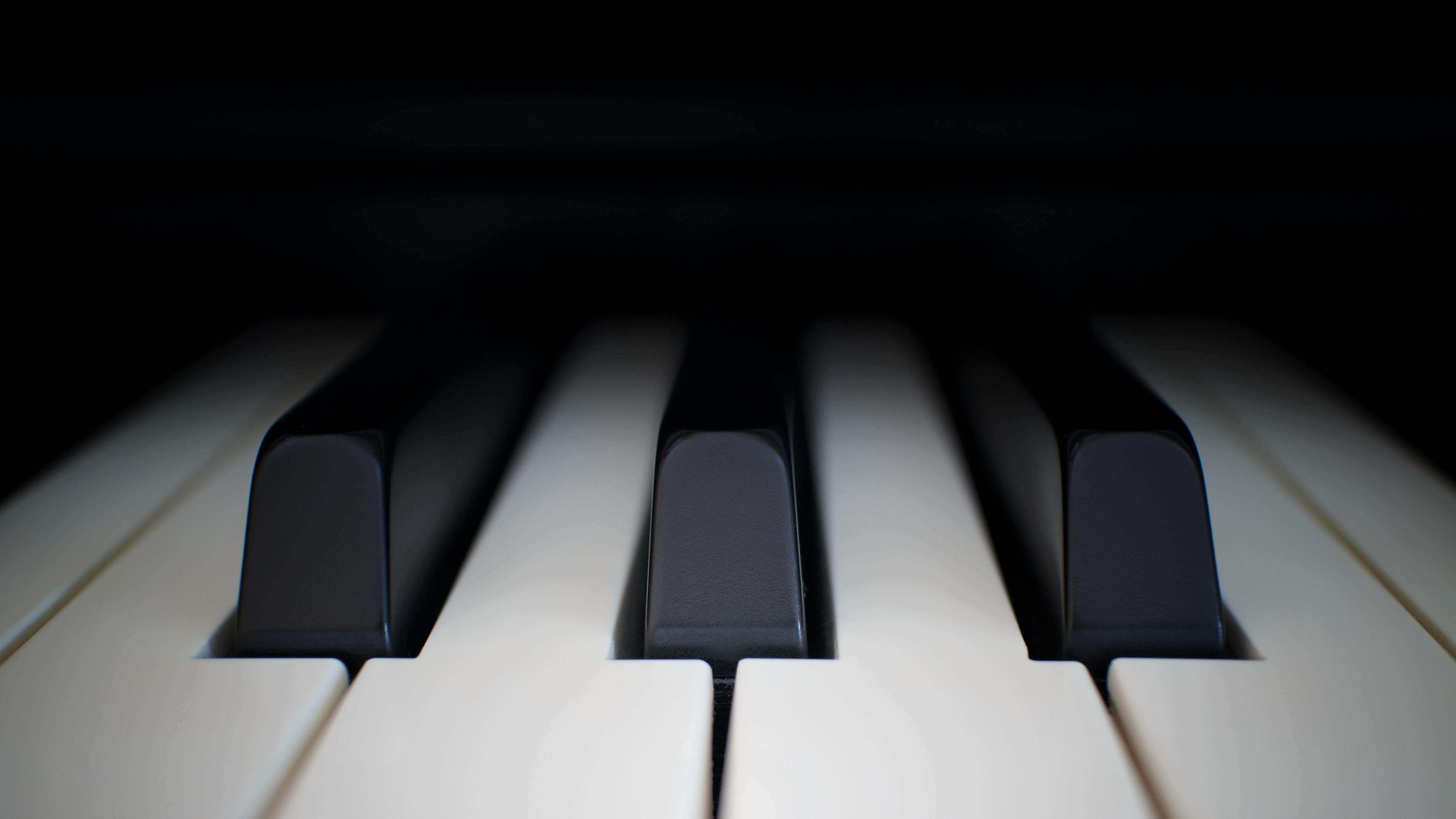 Yamaha PSR-EW410 Portable Keyboard