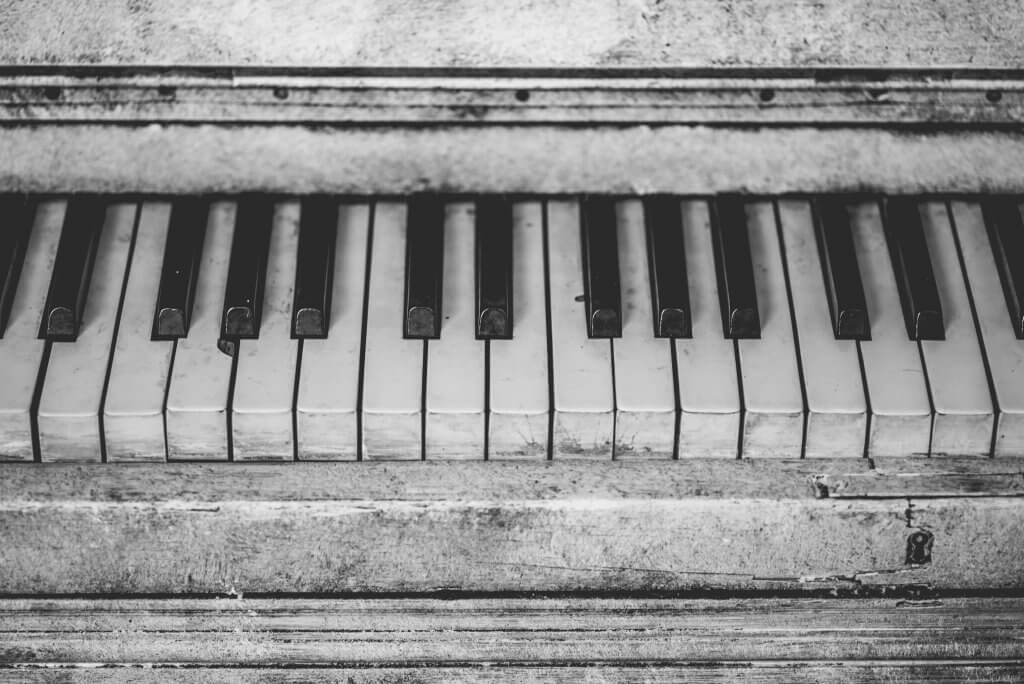 Cleaning Piano Keys