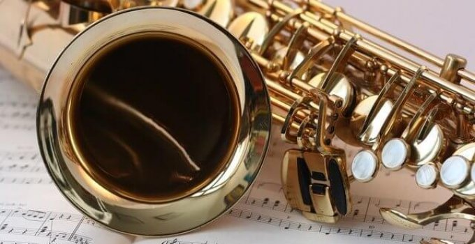 Dating Yamaha saxofoner