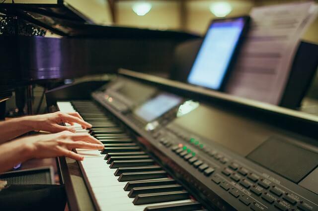 Digital Pianos Under $500
