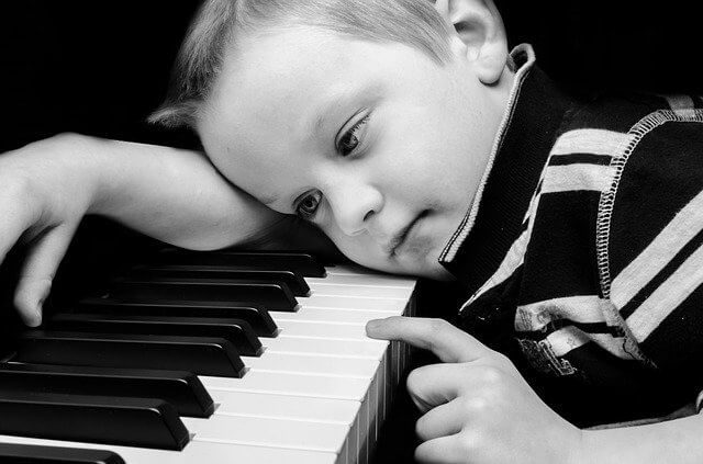Teaching yourself the piano